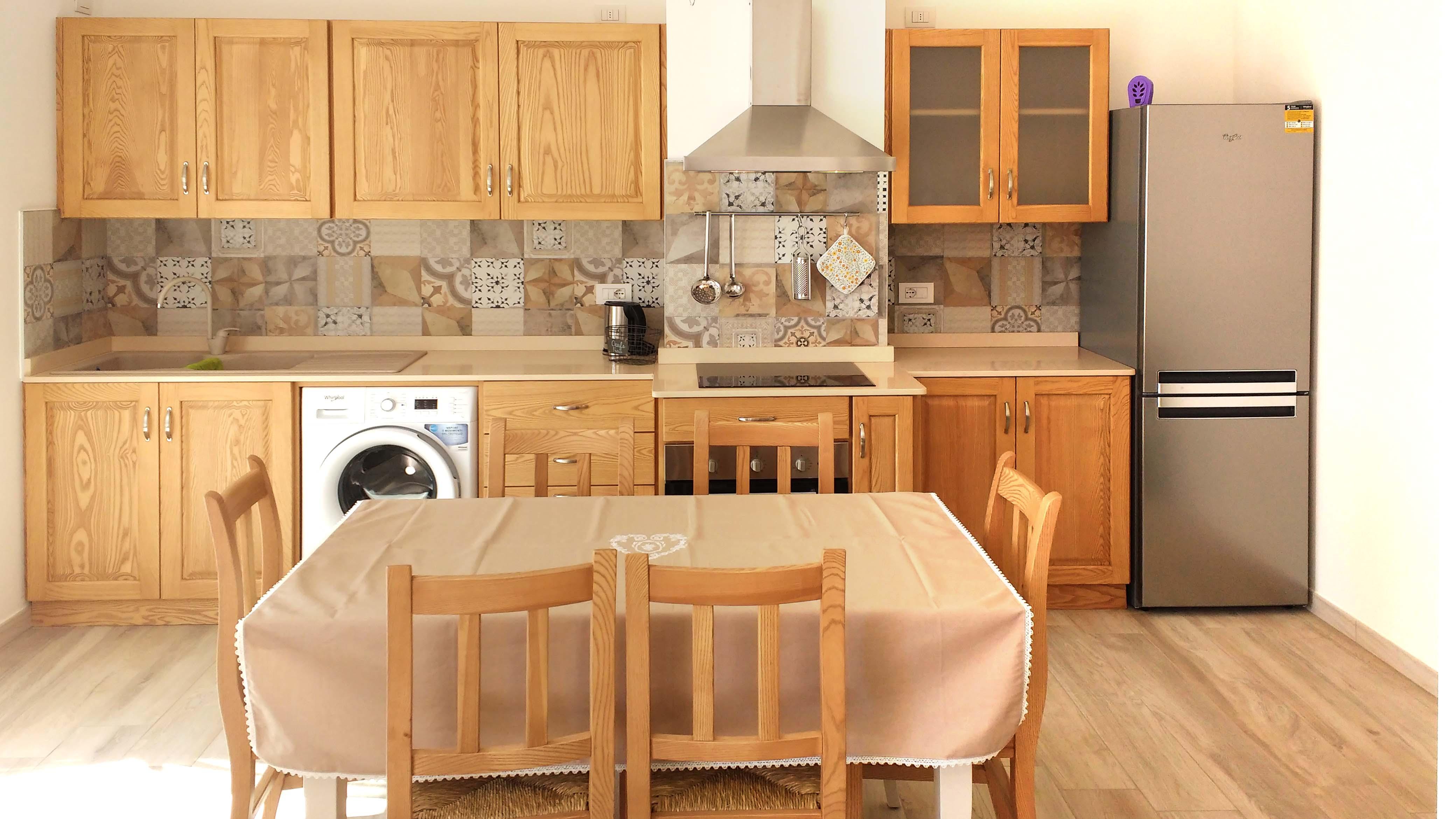 cucina-su-misura-in-legno-2